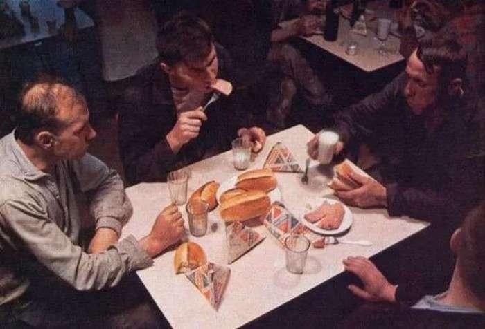 История треугольного пакета для молока (2 фото)