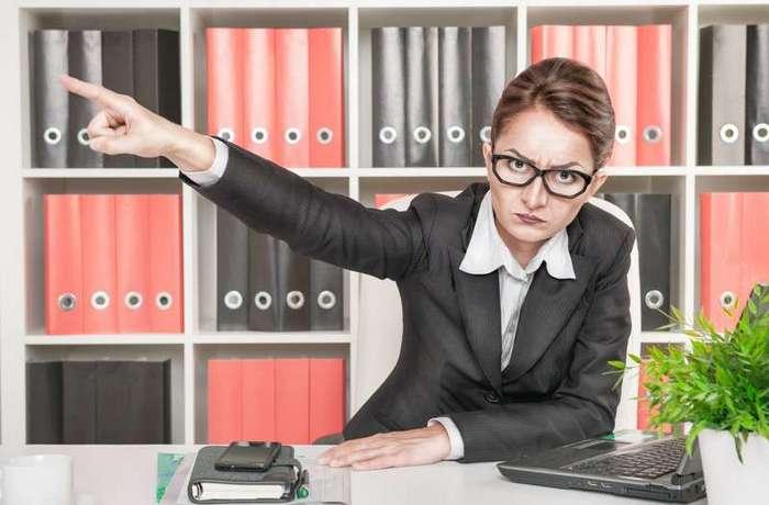-Жесть- на работе: истории о неадекватных и странных коллегах (5 фото)
