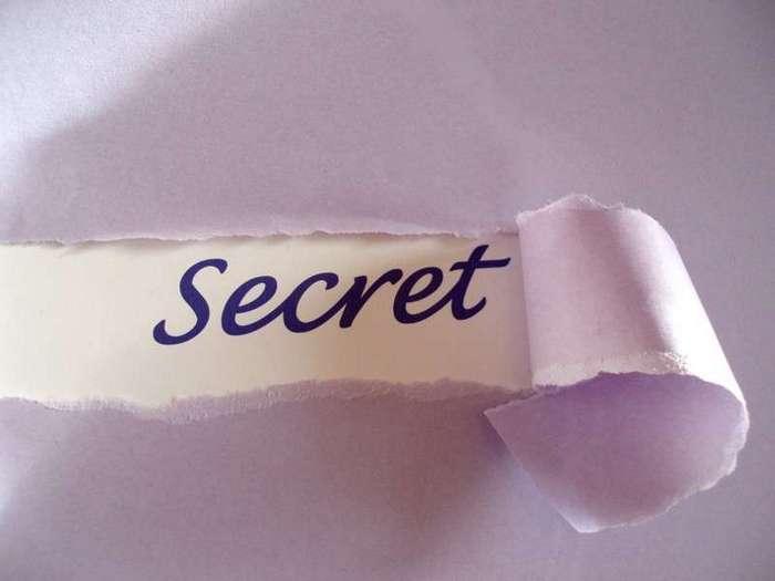 Он знает мерзкие вещи и жуткие секреты, которые скрывают люди (10 фото)