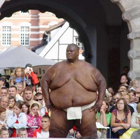 Самый толстый атлет в мире (8 фото)