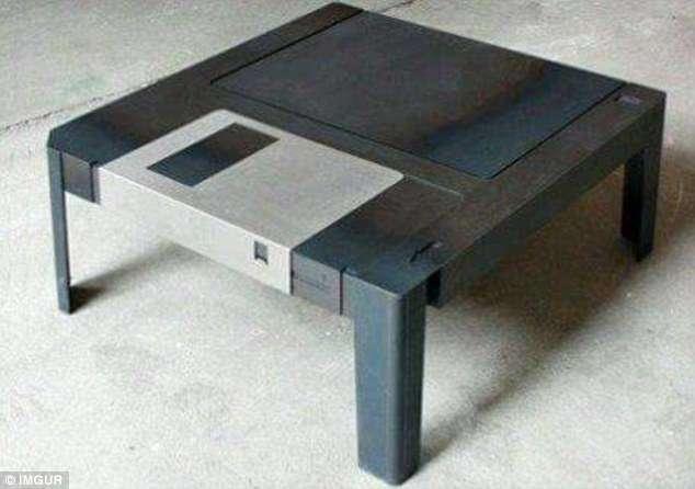 Дизайнеры предлагают предметы интерьера для компьютерных фанатов (16 фото)