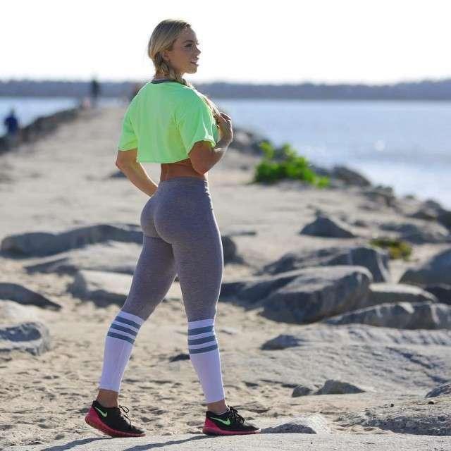 Йога покоряет планету. А точнее - девичьи штанишки для йоги (25 фото)