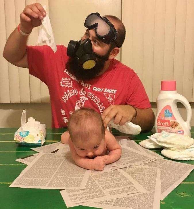Папина дочка: отец с 9-месячным ребенком умиляют соцсети