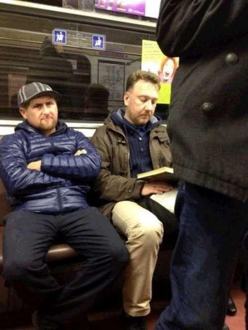 Двойники знаменитостей, которых можно встретить в общественном транспорте (17 фото)