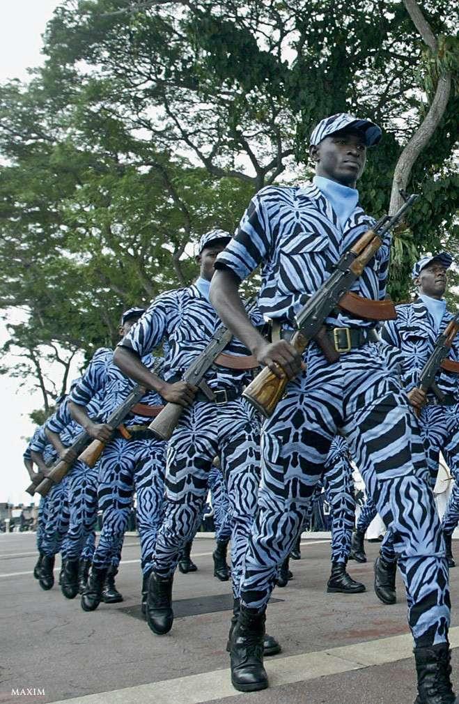 Самая забавная и необычная форма армий мира (32 фото)