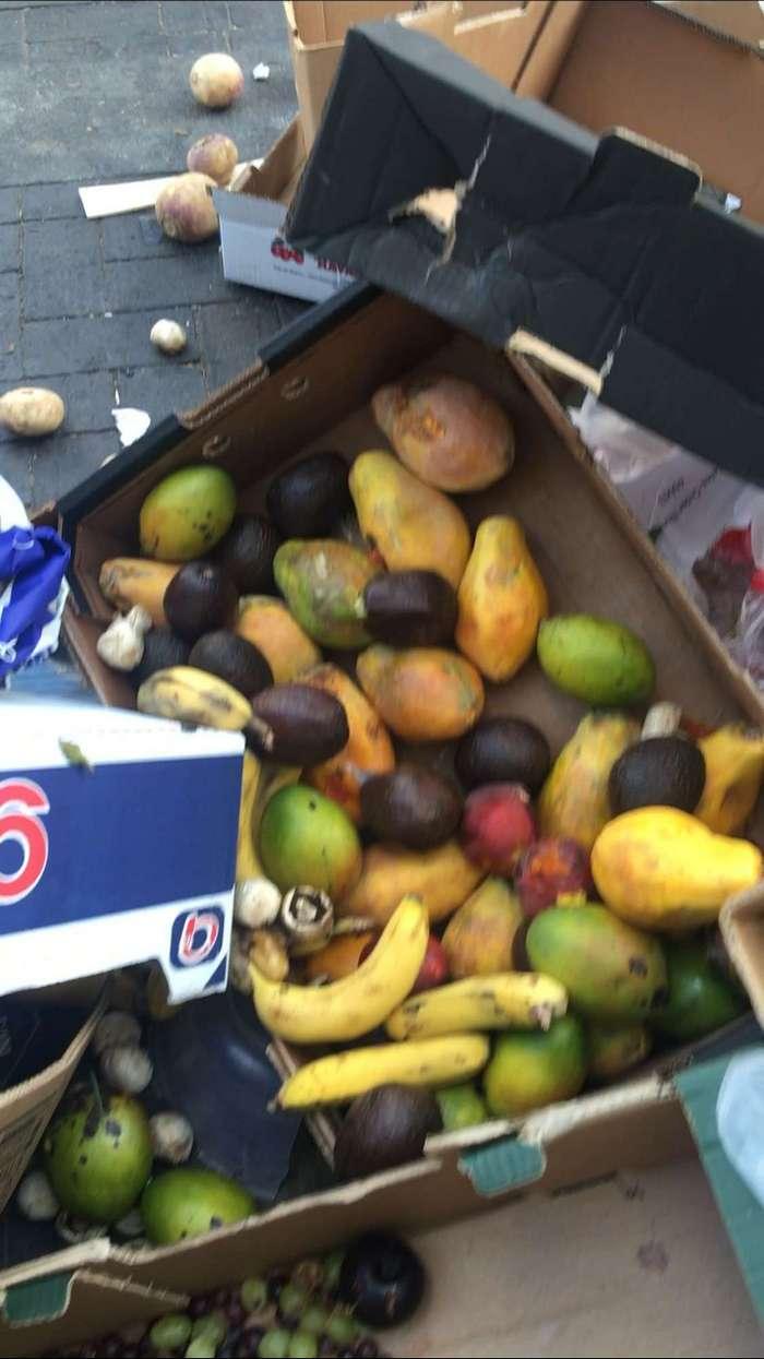 Лондон что выбрасывают после торгового дня на базаре (6 фото)
