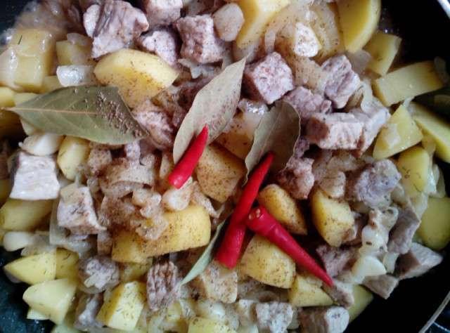 Запеканка из свинины с картошкой по-мальтийски (6 фото)