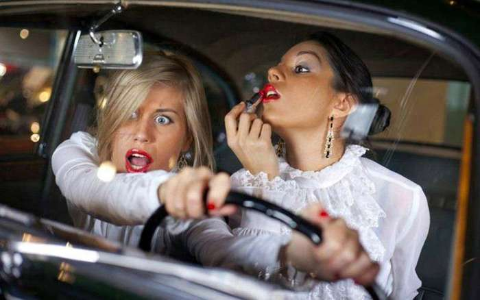 Интересное о правилах дорожного движения в разных странах мира (8 фото)
