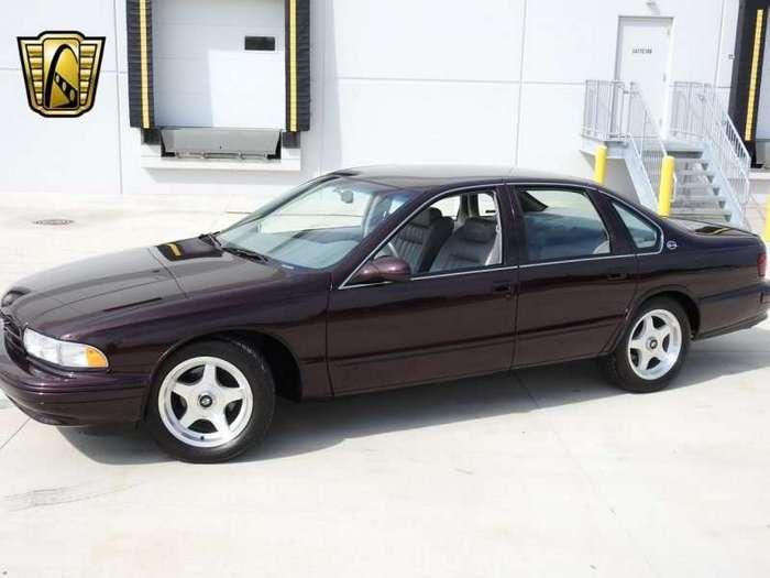 Новенький Chevrolet Impala SS 1995 года (19 фото)