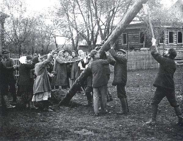 Советская Россия в объективе Аркадия Шайхета (17 фото)