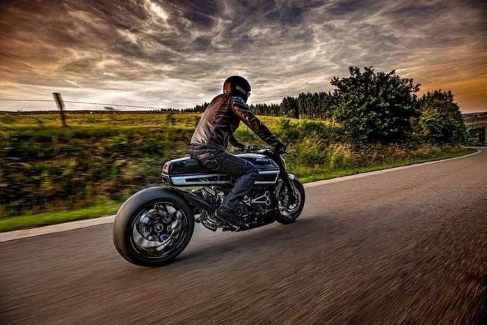 Фред Крюггер приложил руку к Ducati XDiavel (12 фото)