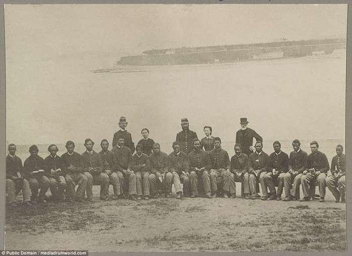 Исторические фото -Солдат Буффало-, первых афроамериканцев-участников войны (17 фото)