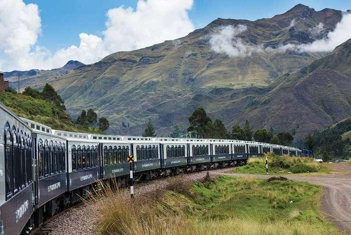 Этот поезд — огонь (12 фото)