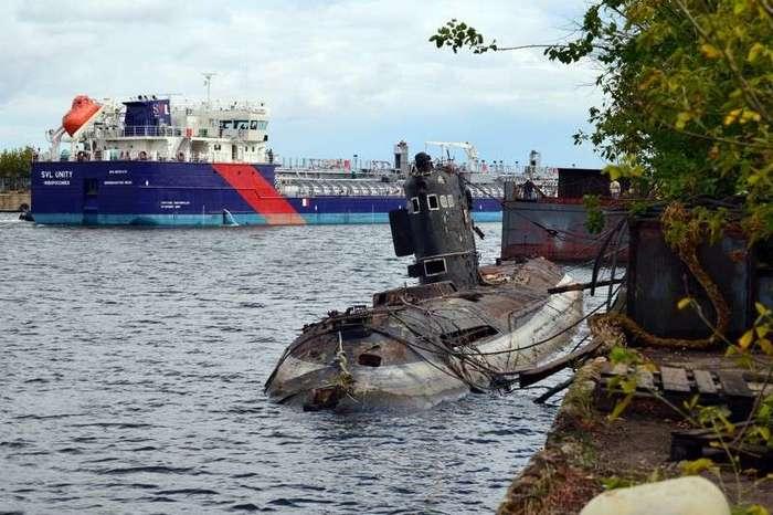 Заброшенные подводные лодки (25 фото)