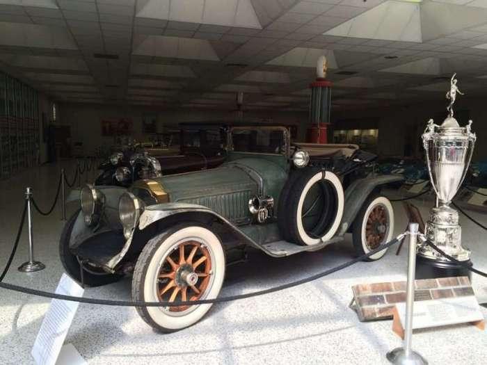 Indianapolis Motor Speedway - Автодром в США (20 фото)