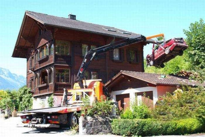Кто сказал, что машины не летают (4 фото)