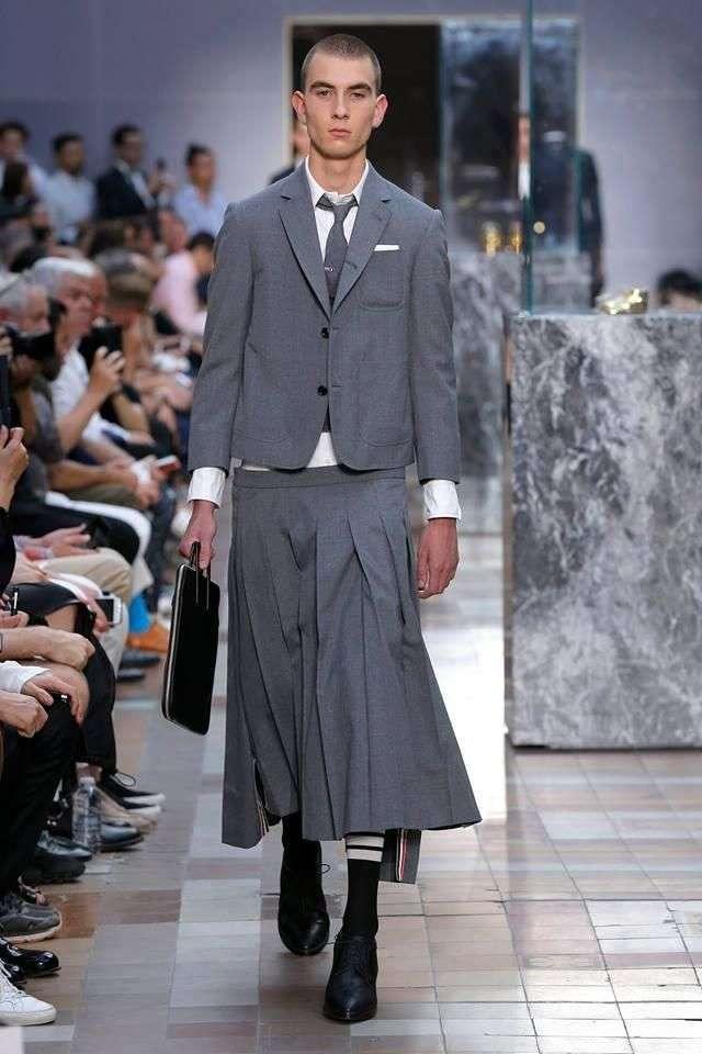 Строгие наряды для модных щеголей от Тома Брауна (13 фото)