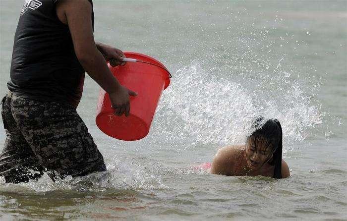 Курсы подготовки девушек-телохранителей в Китае (10 фото)