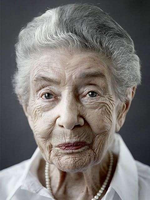 Люди, которым 100 лет (12 фото)