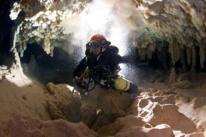 Дайвер остался жив, проведя два дня под водой (9 фото)