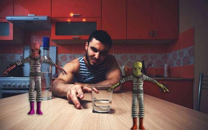 Розовые инопланетяне. Фельдшер — о причудах алкоголиков (4 фото)