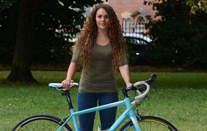 Девушка угнала велосипед, украденный у нее накануне (3 фото)
