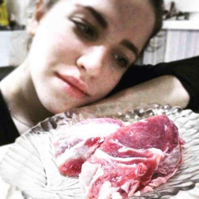 Женщины - существа кровожадные, но при этом еще и милые! (20 фото)