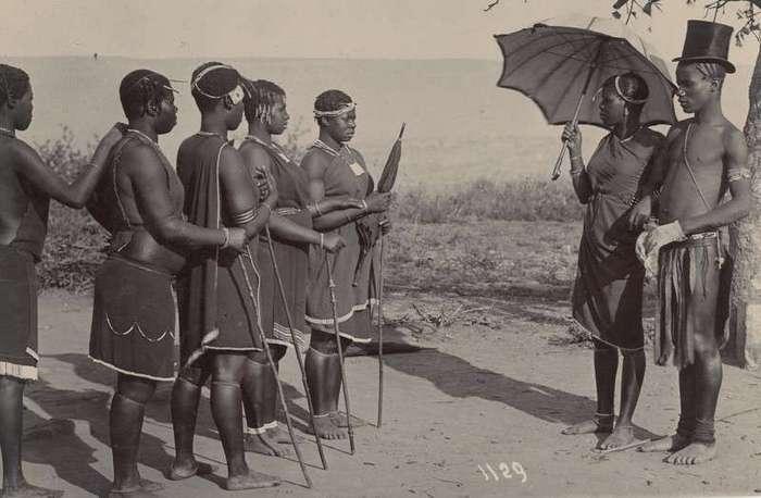 Неизвестная Африка. Фотографии 1870-1930 годов <br><br><b><b>Утренний моцион. Южная Африка 1909</b></b><br><img class=
