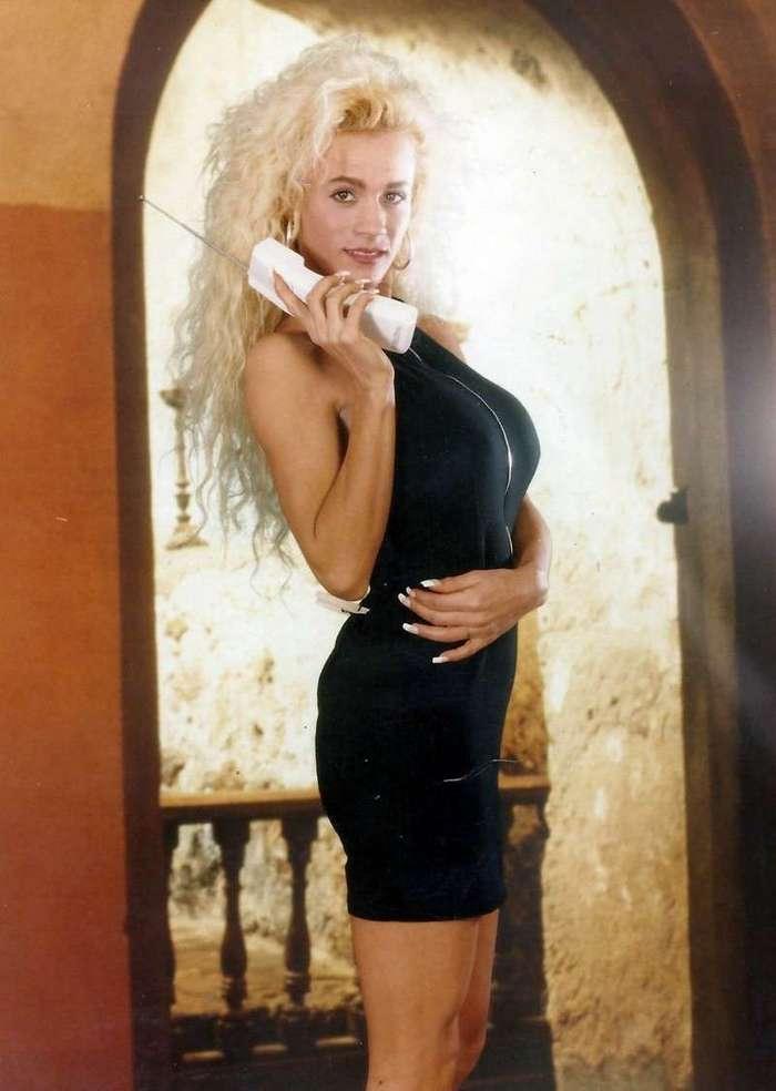 -Больше - не значит лучше-:  знаменитые обладательницы огромного бюста <br><br>Лейси Уайлд занимает седьмое место в списке женщин с огромной грудью<br /> <img class=