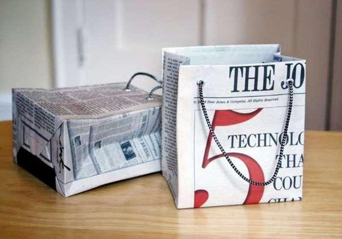 Она не выбрасывает газеты, а использует их с умом. Гениально! <br><br><b> <b>Дарить подарки всегда приятно. Еще здорово не тратиться на подарочные пакеты и делать их своими руками. Не забудьте только обработать специальным средством, чтобы не запачкаться. Не забывайте, газеты могут покрасить пальцы </b> </b><br><img class=