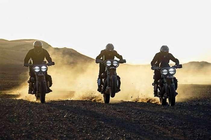 El Solitario MC: кастомы Harley-Davidson Sportster <br><br>В результате получился правильным клиренс, а для безопасной эксплуатации сделана защита мотора. Чтобы снизить неподрессоренную массу, установлены 19-дюймовые легкие колеса Kineo с новой трекерской резиной. Установлена цепная передача и кастомный выхлоп 2в1. <br ><br><img class=