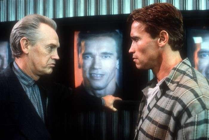 Легендарный фильм -Вспомнить все-: секреты спецэффектов <br><br>Золотую эру голливудского кинематографа 1980-90-х годов не зря часто связывают с Арнольдом Шварценеггером. Помните времена, когда выход каждого фильма с «Мистером Олимпия» в главной роли априори обещал зубодробительный экшен старой школы? «Конан-варвар», «Терминатор», «Коммандо», «Хищник», «Красная жара», «Правдивая ложь»! Без этих лент сложно представить американский кинематограф конца прошлого века.<br /> <img class=