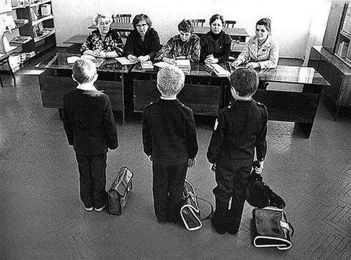 Моменты из прошлого <br><br>Юрий Никулин играет в нарды. Баку, 1968<br /> <img class=