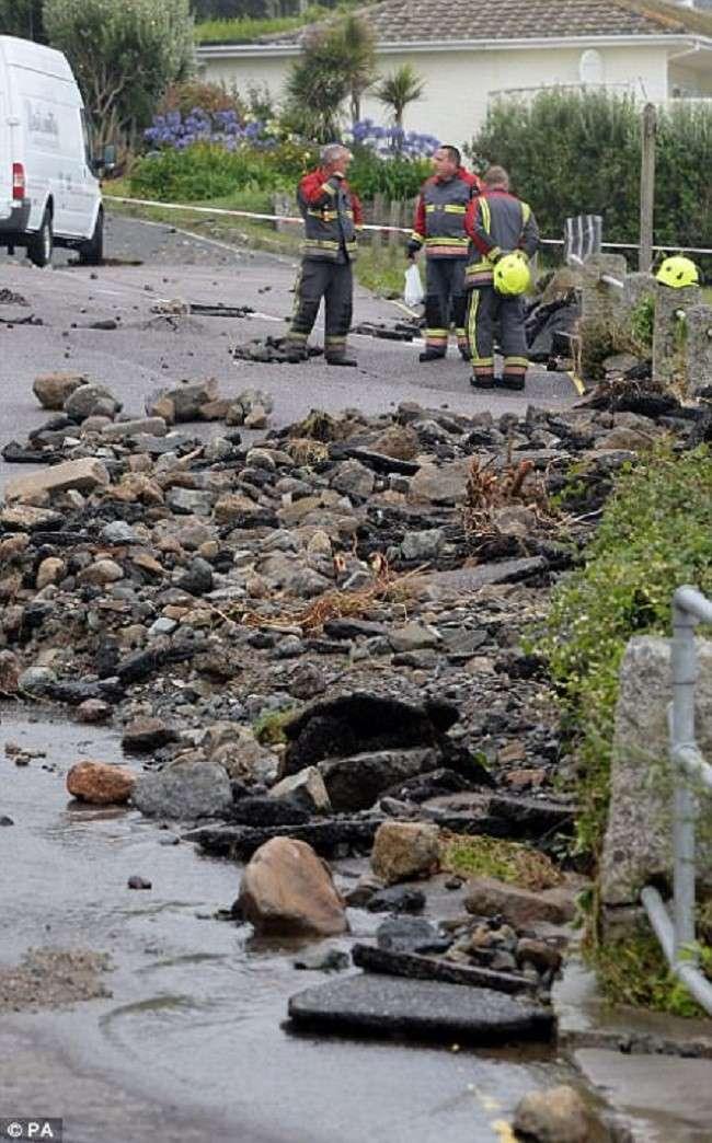Британию смыло дождем <br><br>По словам жителей Коверака, подобного наводнения здесь не было никогда.<br /> <img class=
