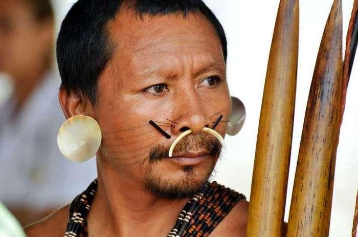 15 ужасающих ритуалов разных племен по всему миру -16 фото-