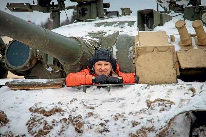 Газотурбинный танк Т-80У: тест-драйв -Популярной механики- -5 фото-