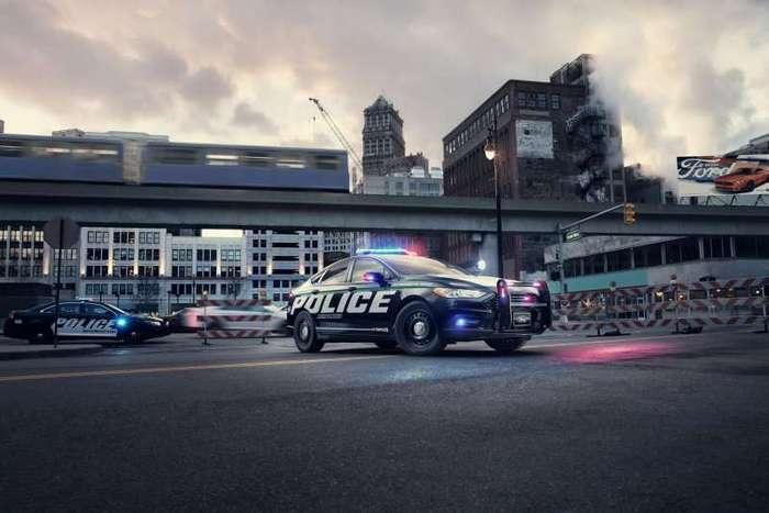 Гибридный Ford Police Responder. Погоня в эко-режиме -8 фото + 2 видео-