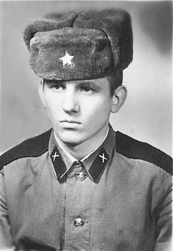 Армейские фотографии знаменитостей-42 фото-