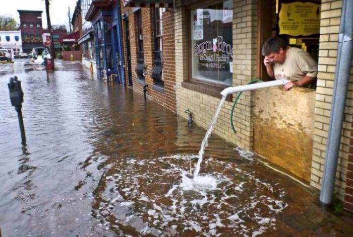 Шокирующие фото урагана Сэнди (34 фото)