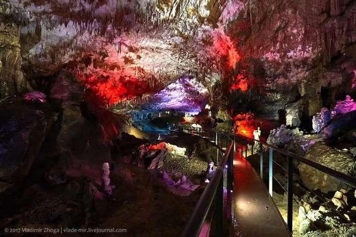 Пещеры Прометея в Кутаиси (12 фото)