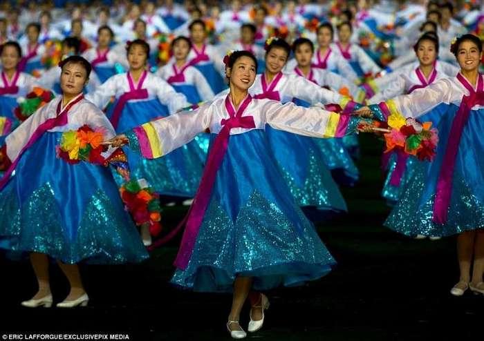 -Незамужние не беременеют-: как представляет себе жизнь девушка из Северной Кореи-30 фото-