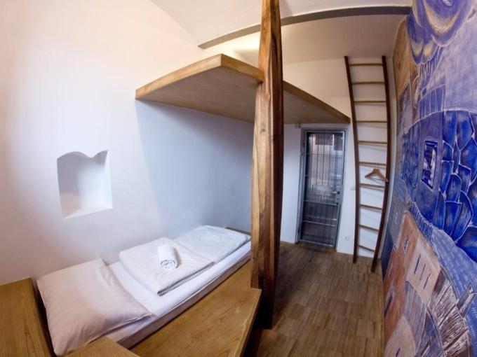 Отели в зданиях бывших тюрем-16 фото-