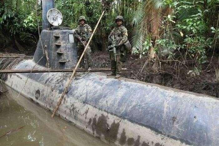 Самодельная подводная лодка наркомафии-6 фото-