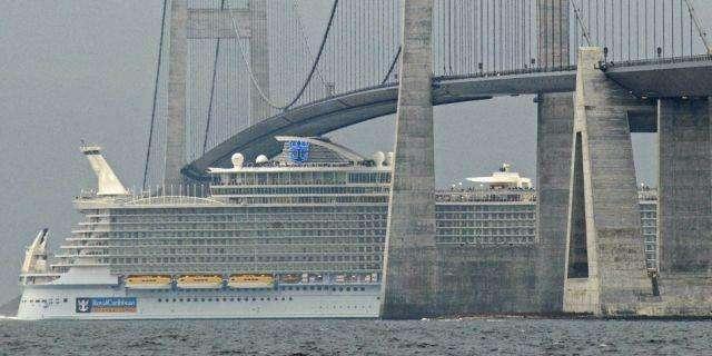 Allure of the Seas - самый большой круизный лайнер (14 фото)