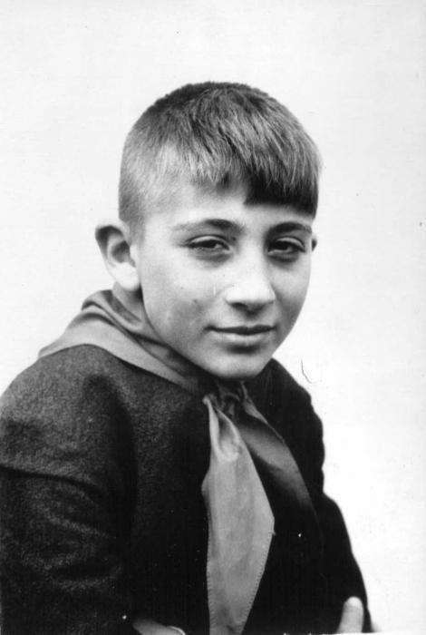 Вооружение советского школьника (5 фото)