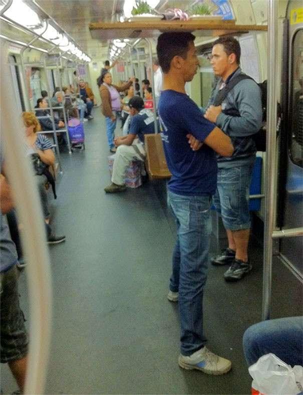 70 самых странных и запоминающихся пассажиров метро-67 фото + 3 гиф-