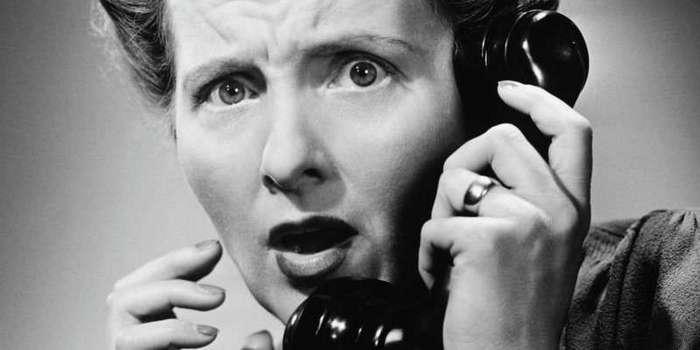 Смешные и глупые звонки в службу спасения (1 фото)