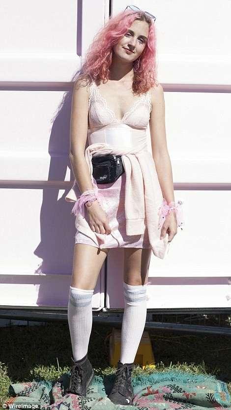 Блестки, обнаженка и рыболовные сети от австралийских модниц-20 фото-