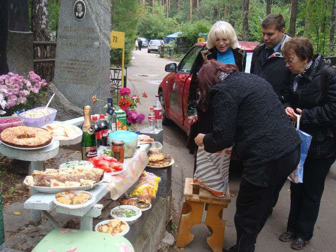 Кладбищенский юмор, одобренный гильдией похоронщиков-23 фото-