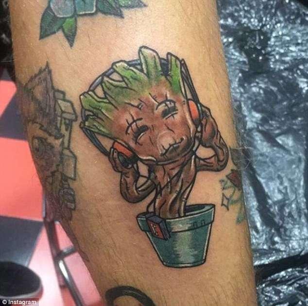 Топ нелепых -пьяных- татуировок, сделанных на отдыхе-19 фото-